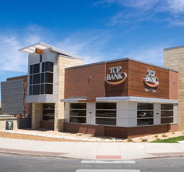 TCF Bank – Lakewood* | EUA